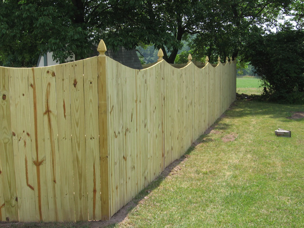 Comparing Fencing Material Vinyl Vs Wood Albaugh Amp Sons